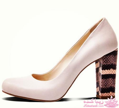 چرم درسا دستبند چرم و طلا زنانه صفحه 15 - زیباکدهلژ مخفی این کفش و پاشنه پهن اون دو تکنیکی هستن که در طراحی این کفش درسا  بکار رفته تا از اون کفش راحت تری نسبت به پامپ های دیگه بسازه.